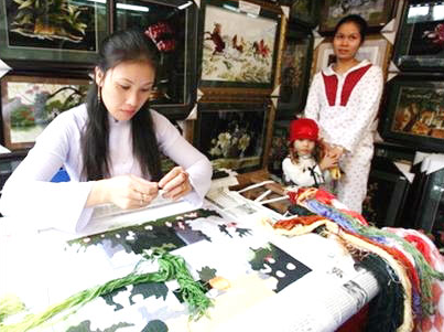 Embroidery Villages Van Lam