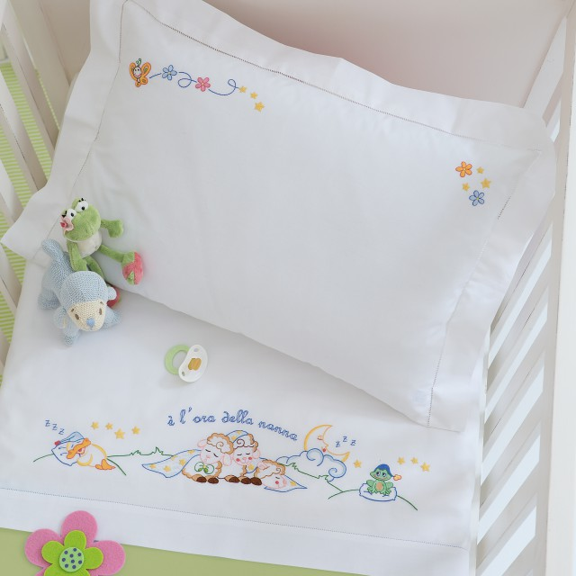 Embroidered bed sheet for baby